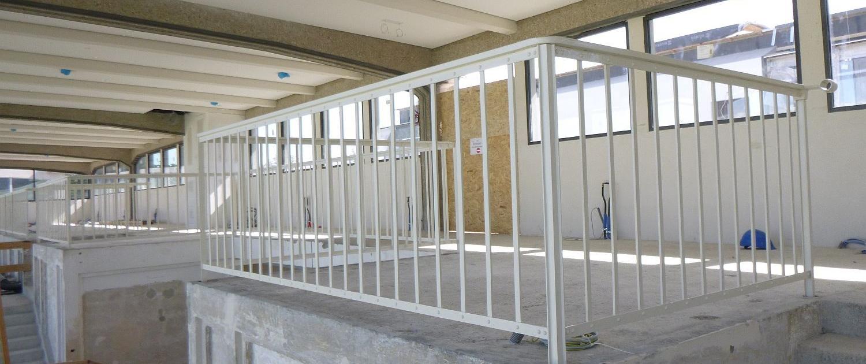 Krieau Geländer - Fertige Sanierung